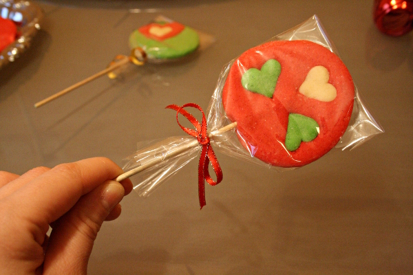 custom-white-balance-A-cookie-lollipop