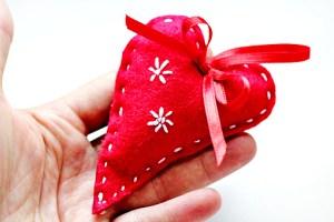felt ornaments, how to make felt ornaments, pictures, images, felt Christmas tree