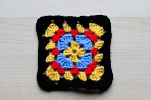 granny squares, crochet granny squares, how to make crochet granny squares, granny square pattern, free granny square pattern, granny square tutorial, free granny square tutorial, images, pictures