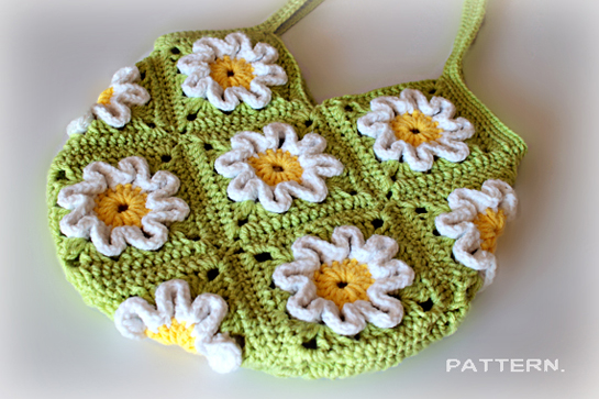 crochet purse pattern by zoomyummy.com