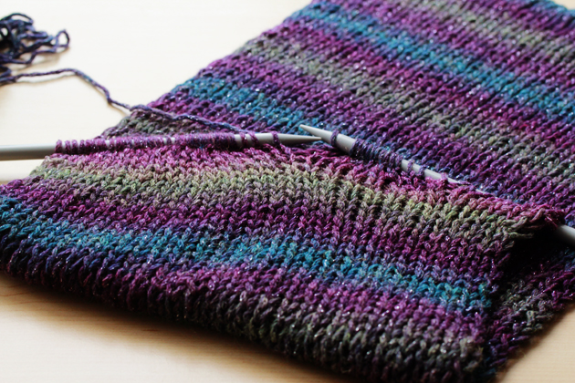 Easy Knitting Stitches Scarves : Simple Knit Infinity Scarf   Diy   Zoom Yummy   Crochet, Food, Photography