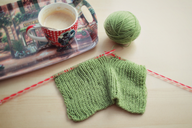knitting green scarf