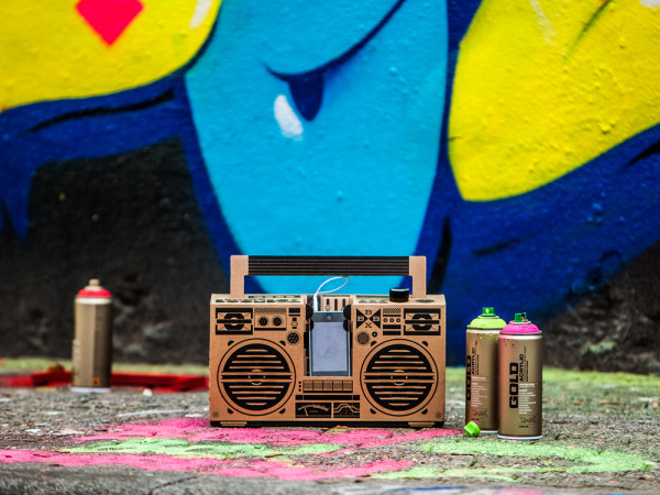 A Cardboard Sound System For Your Smartphone in technology Category