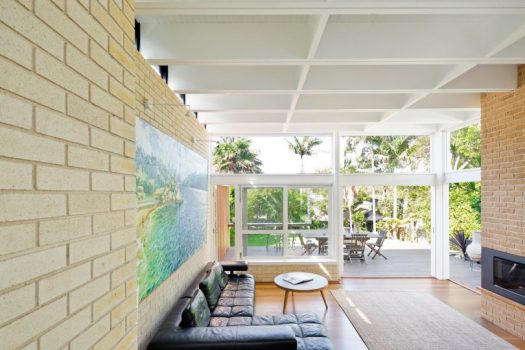 A Beach House with a New Mid-Century Modern Addition