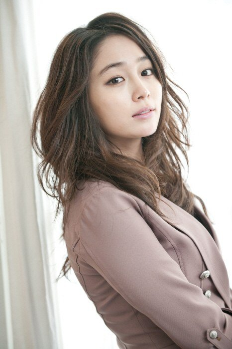 Lee Min Jung To Star Alongside Rain In New SBS Drama Soompi