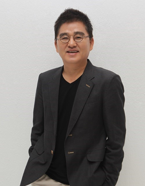 Cube Entertainment Chairman Hong Seung Sung Announces Departure From Company