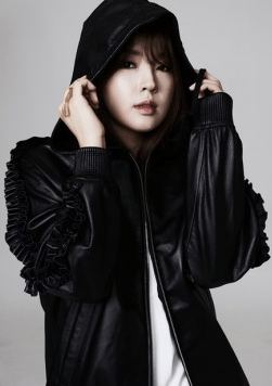 Former 4Minute Member Jiyoon Unveils New Pictures As Solo Artist