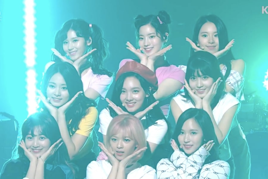 Watch: TWICE Dances To Other Artists' Songs And Performs Medley Of Greatest Hits   Soompi