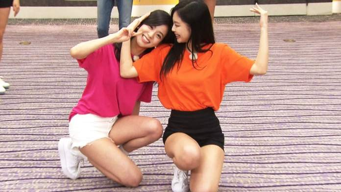 """- BLACKPINK Jisoo Jennie - BLACKPINK's Jisoo And Jennie Are Adorable In New Stills From Upcoming """"Running Man"""" Episode  - BLACKPINK Jisoo Jennie - BLACKPINK's Jisoo And Jennie Are Adorable In New Stills From Upcoming """"Running Man"""" Episode"""