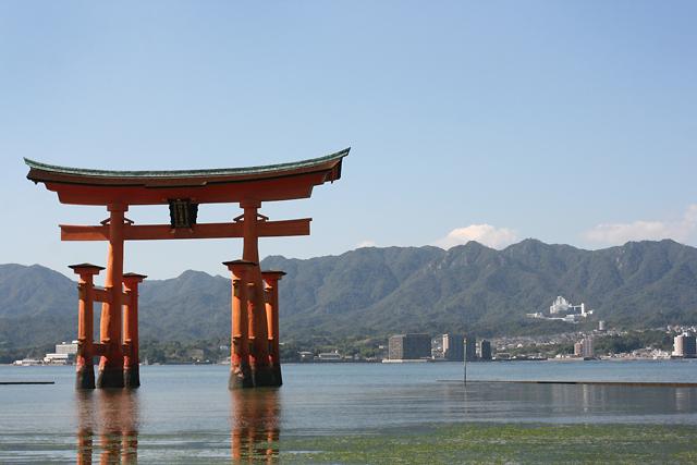 1 miyajima torii