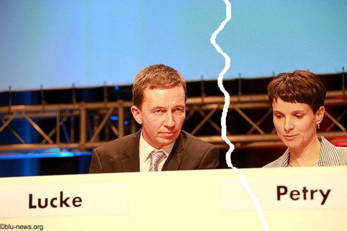 Streit in AfD-Führung: Lucke weist Petry-Kritik von sich