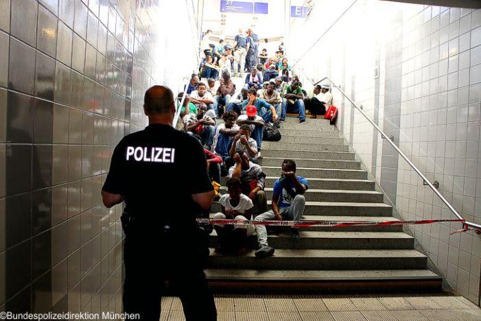 Sicherheitsrisiko Flüchtlinge – Bundesregierung setzt Volk gefahren aus