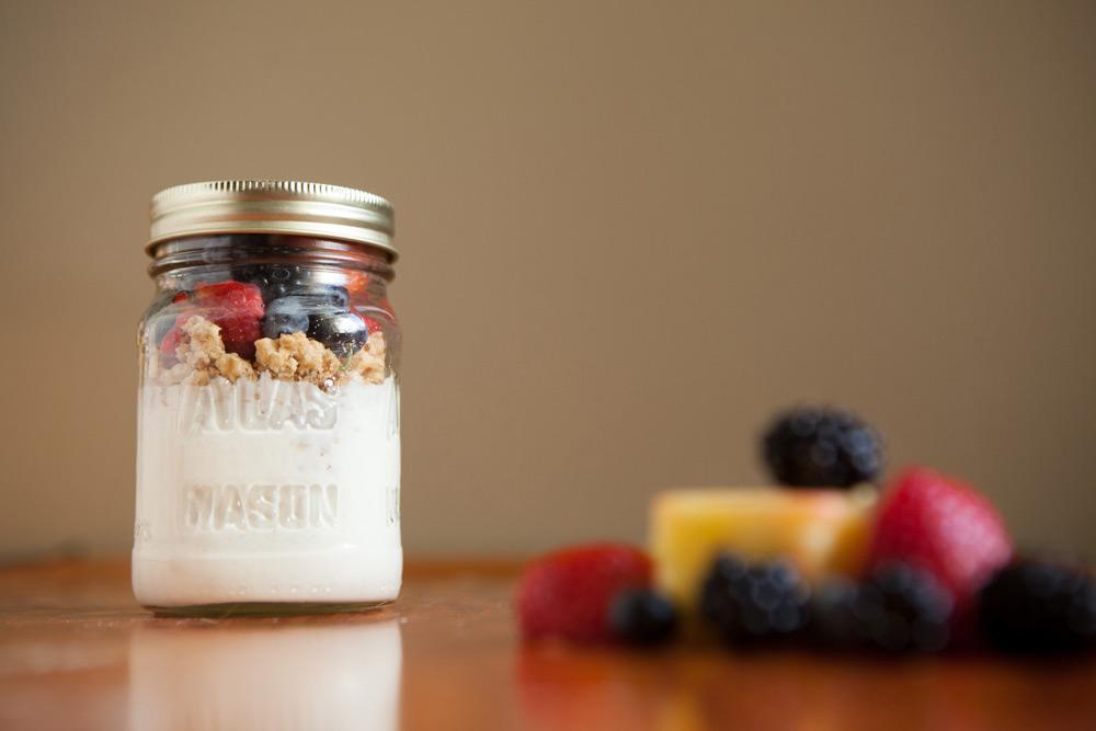 Grab-N-Go Breakfast Greek Yogurt Parfaits