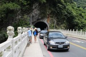 砂卡礑橋違規停車影響交通情形2