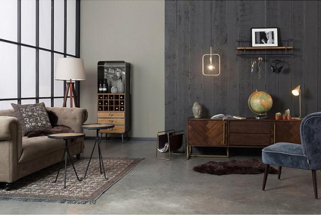 Woonvondst industrile gouden hanglamp  INTERIOR JUNKIE