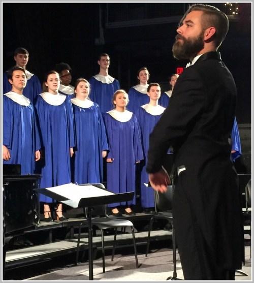 The a cappella choir, directed by Luke Rosenberg. (Photo/Lynn U. Miller)