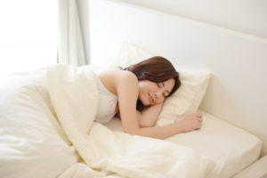 f1b593d5e8f9925141a900de2cd5f14a s 300x200 - 腰痛のベルト・コルセットは寝るとき外す?外さない?どっち???