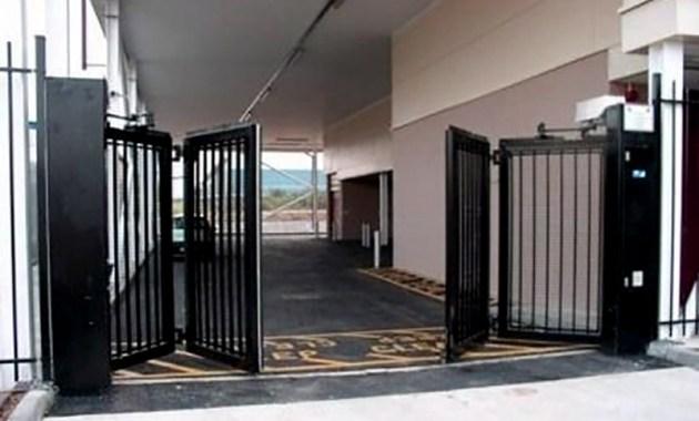 Pintu Pagar Lipat Bahan Besi Minimalis