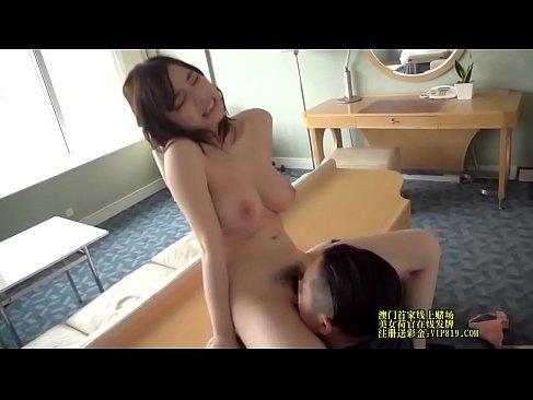 癒し系の美巨乳人妻が夫婦のセックスレスでポルノビデオ体験してるひとずまにゃんこ 動画