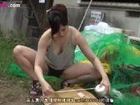 ノーブラノーパンで男を誘惑しては自宅に連れ込んでセックスする美巨乳淫乱人妻の0938動画サンプル無料