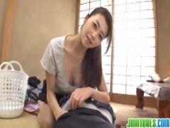昭和の40歳の美熟女妻が昼間から夫婦の営みをして剛毛おめこに生出しするひとずま動画無料あげ