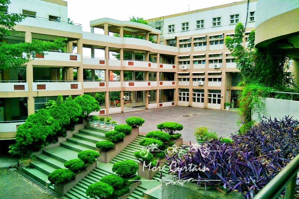 新竹竹北防焰捲簾案例推薦 竹北高中教室窗簾案例