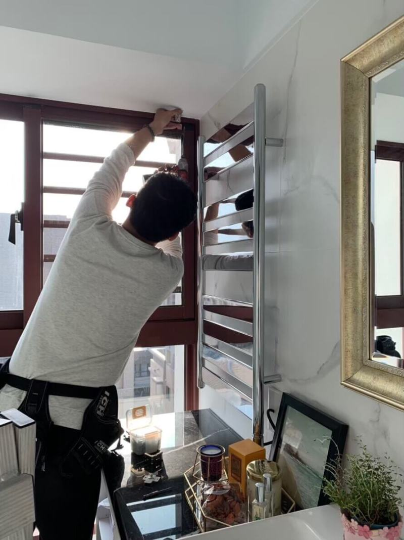安裝窗簾支架