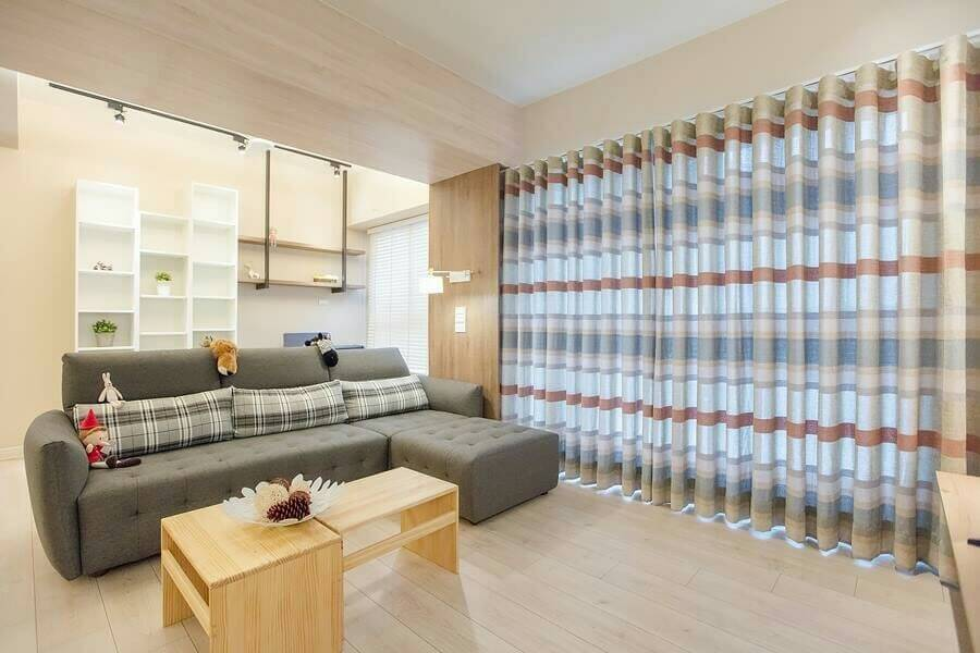 客廳落地窗設計 蛇簾設計 台中市 太平區 窗簾推薦 精選案例