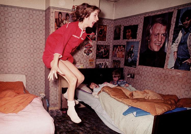 エンフィールドのポルターガイスト 少女が浮かび上がる