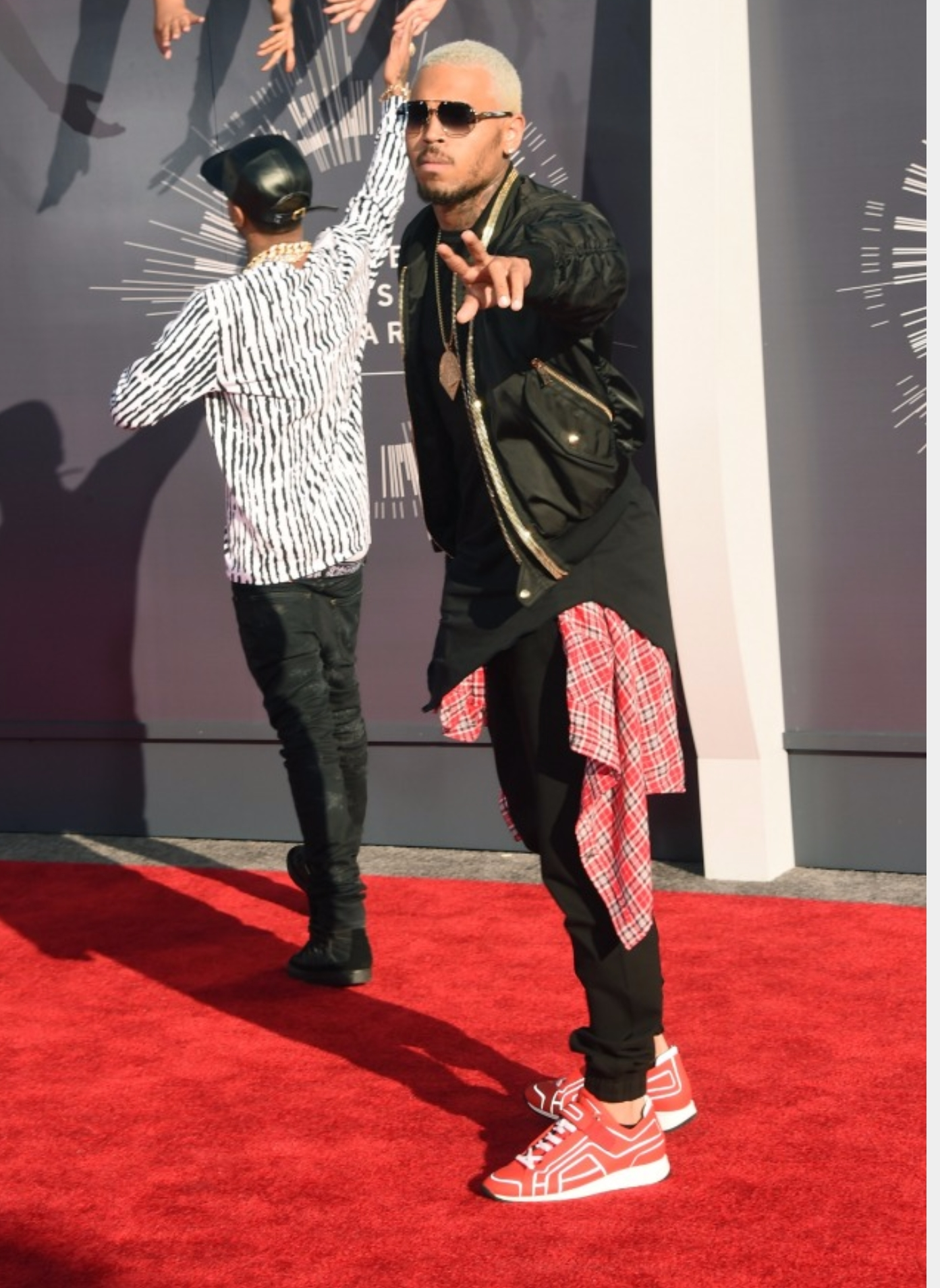Chris Brown Dressing Style  Shopping Guide We Are Number One  Where To Buy Cute Clothes