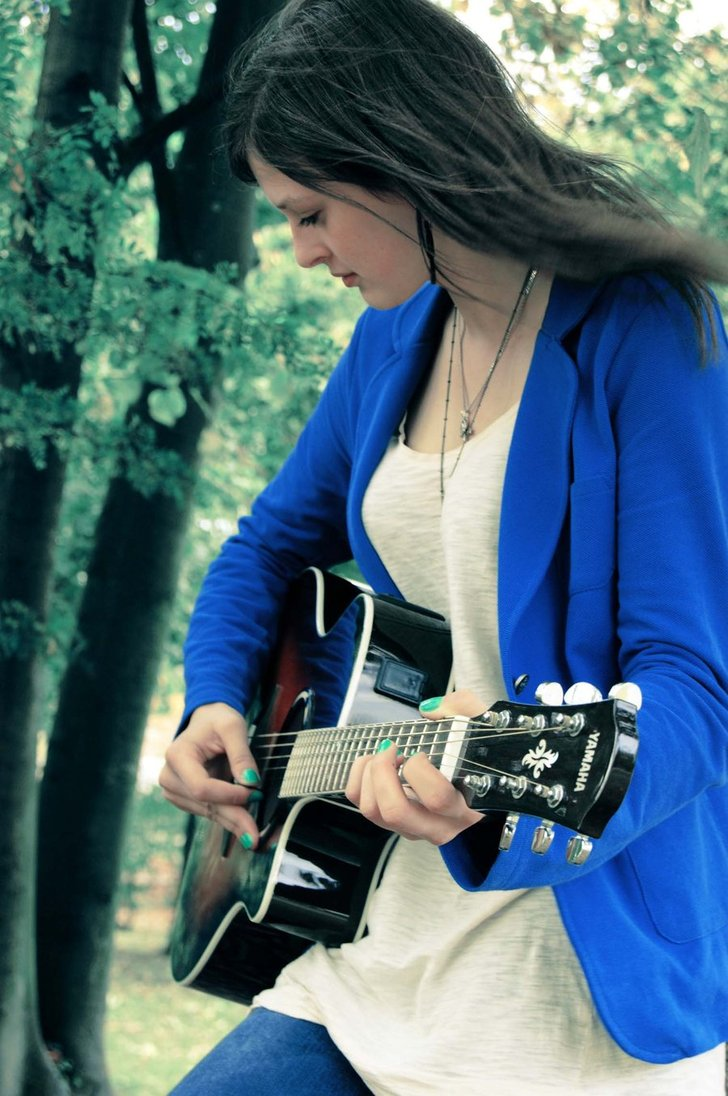 Cool and stylish profile pictures for facebook for girls with guitar 20162017  Fashion Trends