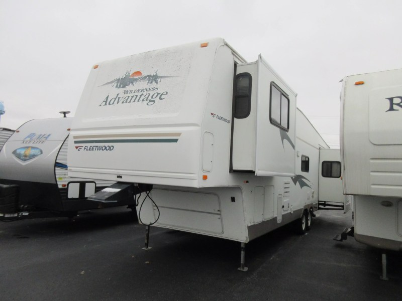 2005 Fleetwood Pioneer Travel Trailer Owners Manual | tourismstyle co
