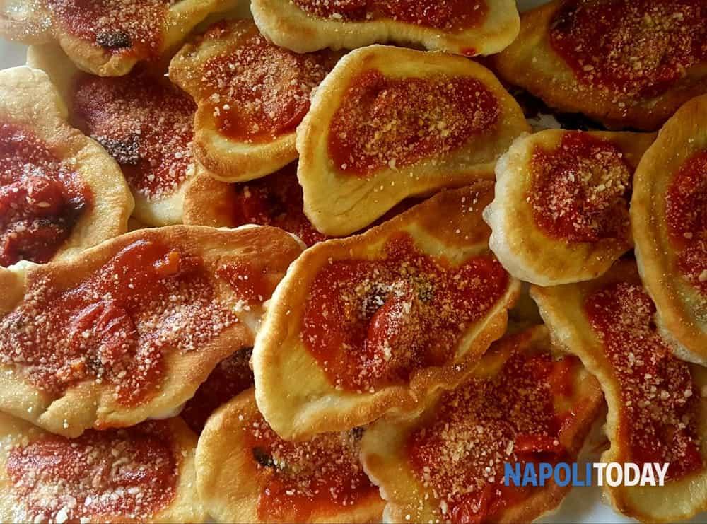 Montanara storia e ricetta dellaltra pizza fritta napoletana