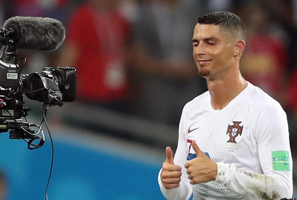 Cristiano Ronaldo alla Juventus  per i social  mission impossible  la dilagante ironia