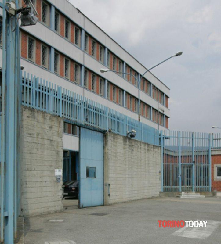 Detenuto nel carcere di Ivrea si suicida col gas