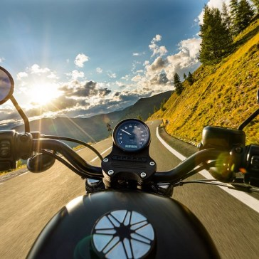 PSA: Apple warns that high-powered motorcycles can damage autofocus, image stabilization in iPhones