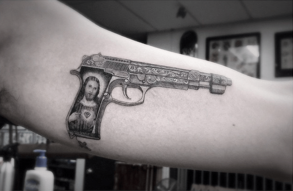 G-Dragon Gets Some New Ink In Time For BIGBANG's Comeback