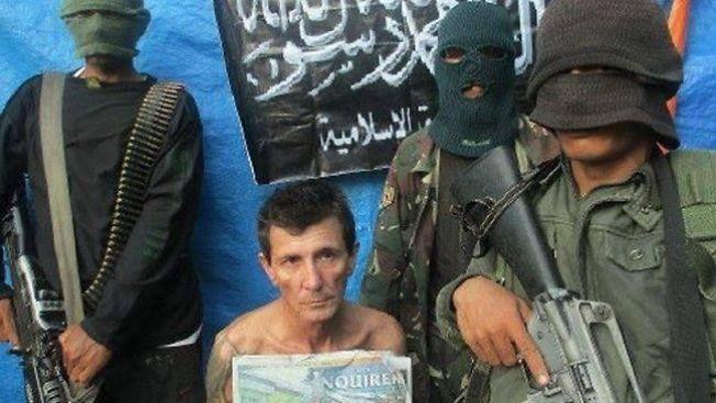 <p>BEVIS PÅ LIV: Rodwell ble fotografert og filmet ofte, slik at ekstremistene kunne bruke livstegnene i forhandlinger.<br/></p>