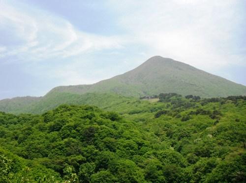 日本百名山「磐梯山」(八方台登山口より磐梯山、裏磐梯スキー場周回)