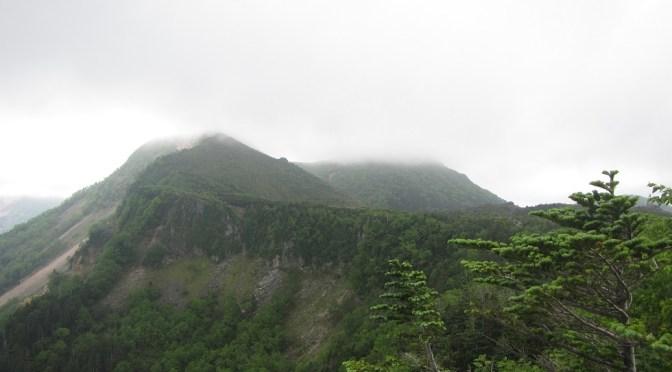 日本二百名山「天狗岳」(麦草峠よりニュウ経由中山周回)