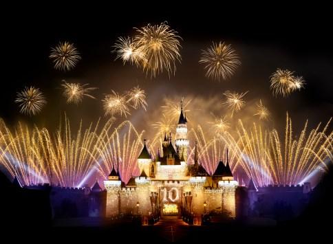 Hong Kong Disneyland turns 10!! – New Experiences https://1000000peoplewholovedisney.wordpress.com/2016/01/28/hong-kong-disneyland-turns-10-new-experiences/