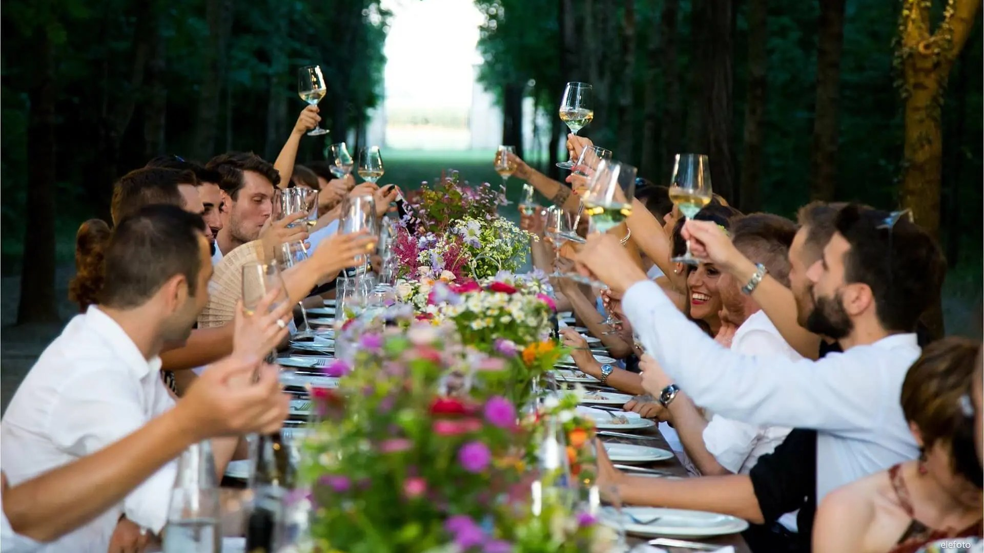 Steps to taking captivating and intriguing party photos 1