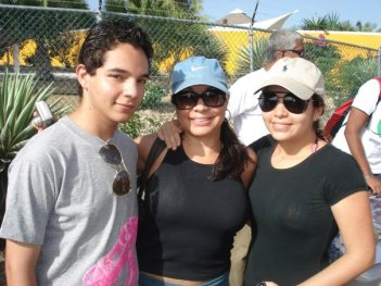 Francis, Lucy, Francine at the Walk for Conservation (Jan Thiel) in 2009.