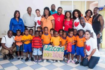 Curacao Cares visits Krèsh Bai Bini (daycare) with Omar Hamilton Group.