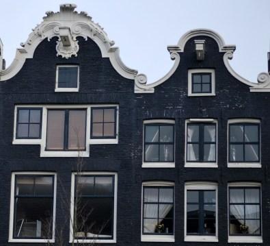 Source: typical Amsterdam building, letsgoamsterdam.blogspot.com.