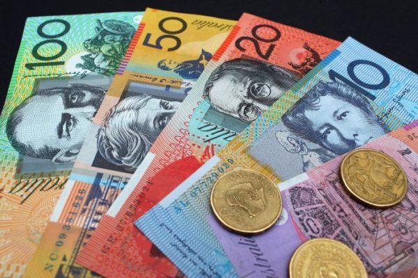 australian-dollar-005-701x467