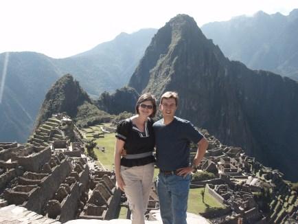 travel blogging couple