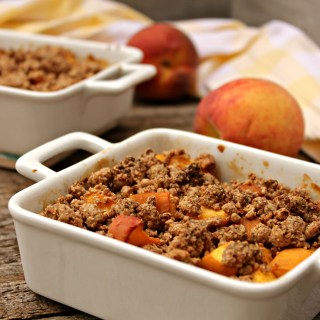 Vegan Peach Crumble
