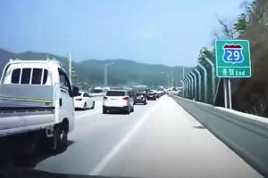 運転手の操作に反して急加速する車。ジェネシスG80の急加速問題こわすぎ。