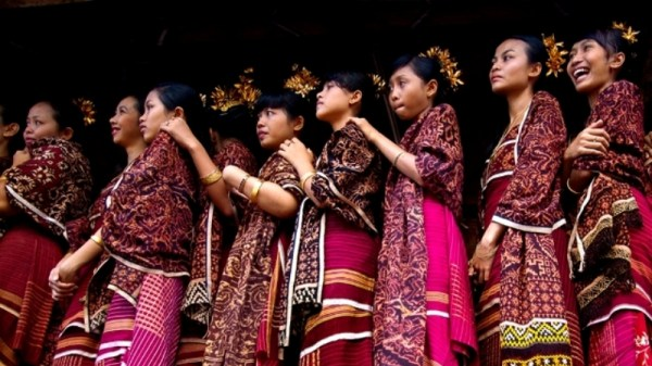Tenganan Karangasem Bali, Keunikan Kerajinan Kain Gringsing Tenganan